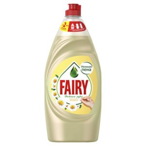 FAIRY Средство для мытья посуды Нежные руки Ромашка с витамином Е 900мл