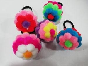Резинка для волос с шариками